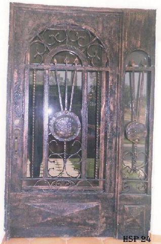 Puerta principal de dise o hsp24 herreria y aluminio san for Diseno puerta principal