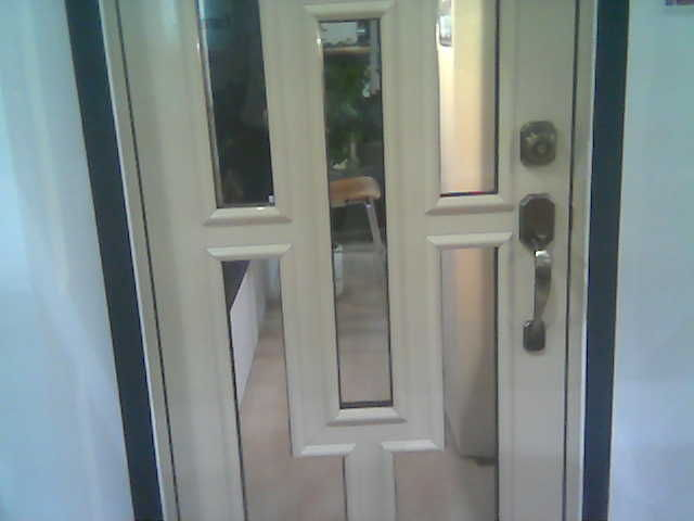 Puerta de aluminio eurovent herreria y aluminio san pablo - Fotos puertas de aluminio ...